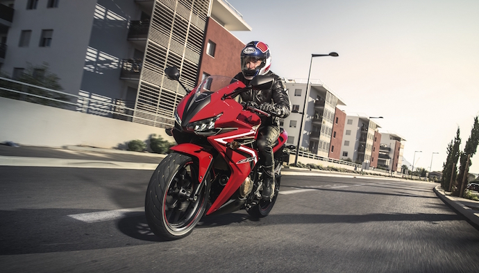 FIRST IMAGES OF 16YM CBR500R